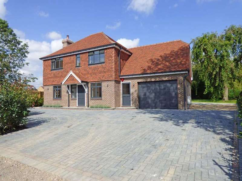 4 Bedrooms House for sale in Janes Lane, Burgess Hill, RH15