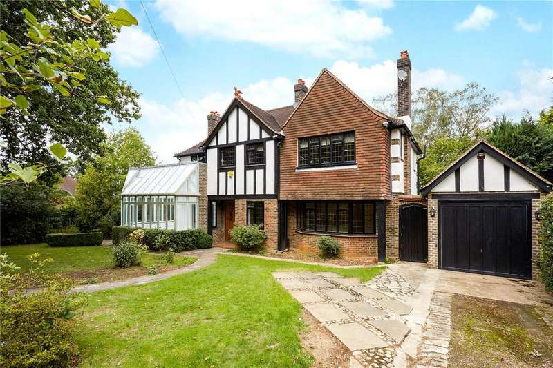 5 Bedrooms Detached House for sale in Bouverie Road, Chipstead, Coulsdon, Surrey, CR5