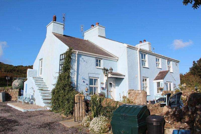 4 Bedrooms Detached House for sale in Llanfairynghornwy