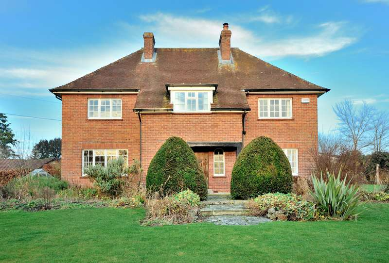 5 Bedrooms Detached House for rent in The Red House