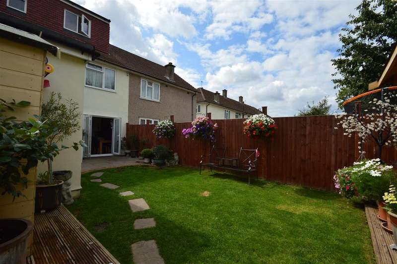 5 Bedrooms Semi Detached House for sale in Woodcroft, London