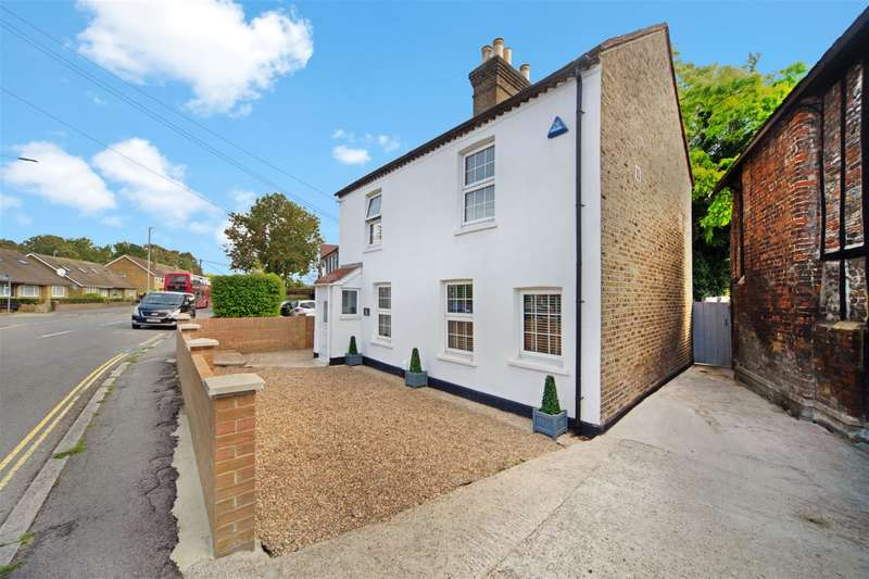 3 Bedrooms Detached House for sale in Bath Road, Longford, UB7 0EH