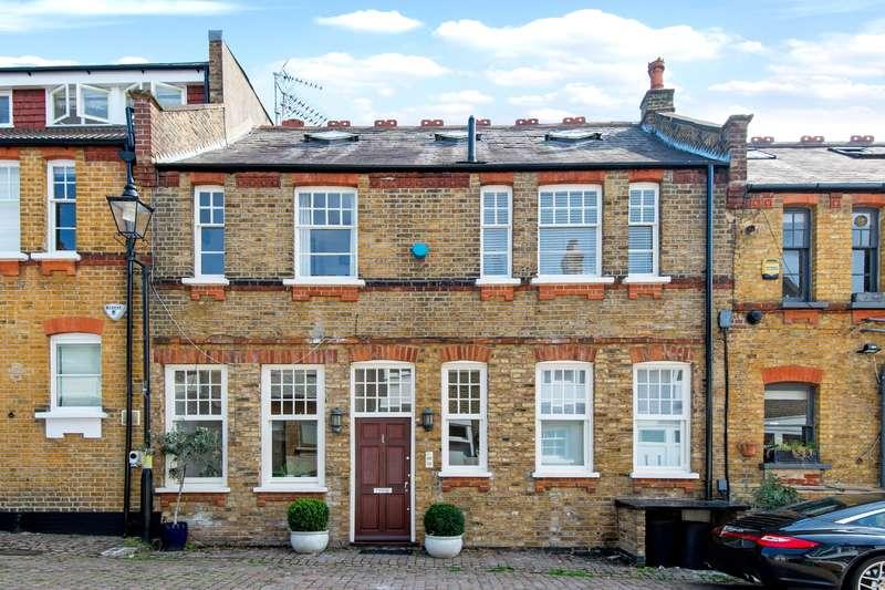5 Bedrooms Mews House for sale in Daleham Mews, Belsize Park