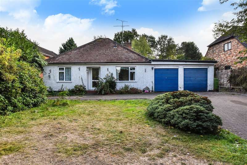 3 Bedrooms Detached Bungalow for sale in Nine Mile Ride, Finchampstead, Wokingham