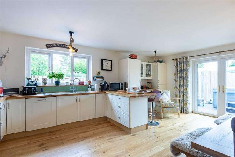 5 Bedrooms Detached House for sale in Spottiswoode Gardens, St Andrews, Fife
