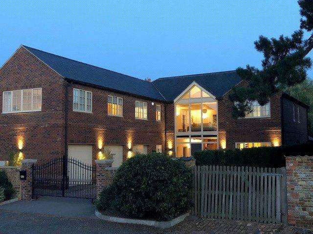 5 Bedrooms Detached House for sale in Craves Lane, Little Harrowden, Wellingborough, Northamptonshire, NN9