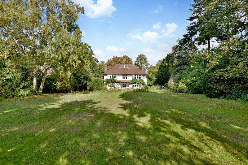 5 Bedrooms Detached House for sale in Horsham Road, Bramley