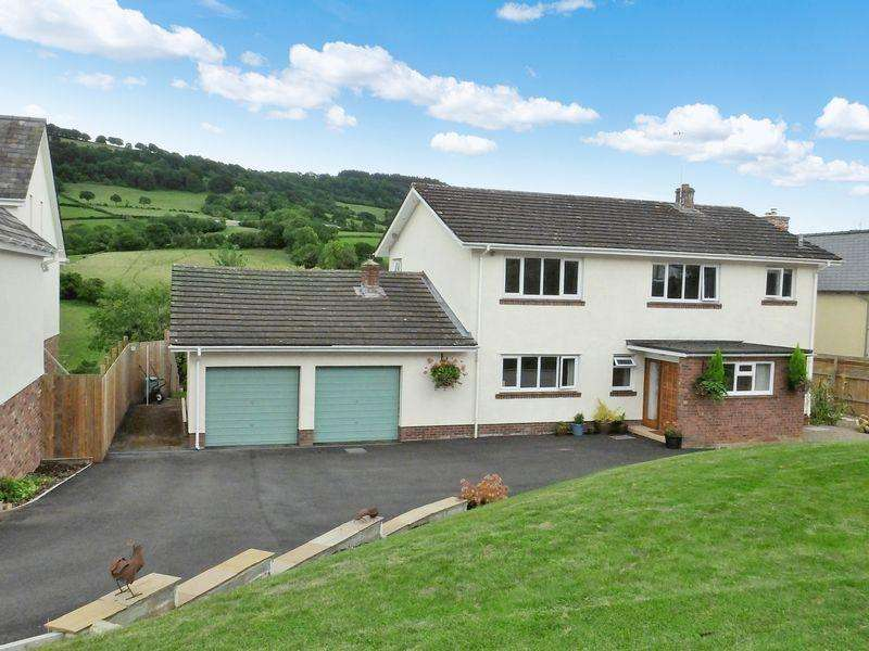 4 Bedrooms Detached House for sale in Grosmont, Abergavenny