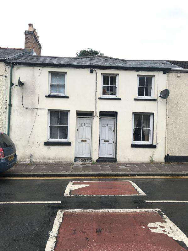 2 Bedrooms Terraced House for sale in High Street, Rhymeny, NP22 5LP