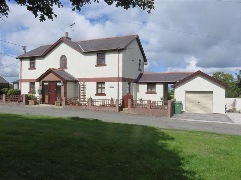 3 Bedrooms Detached House for sale in Marianglas, Isle Of Anglesey