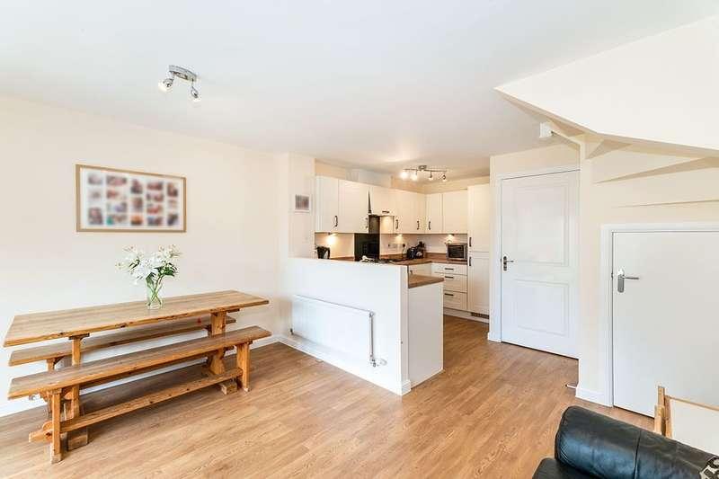 4 Bedrooms Property for sale in Cross Street Villas Cross Street, Chesterfield, S40