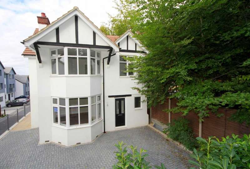 4 Bedrooms Detached House for sale in LUXURIOUSLY REFURBISHED 4 BED DETACHED WITH PARKING