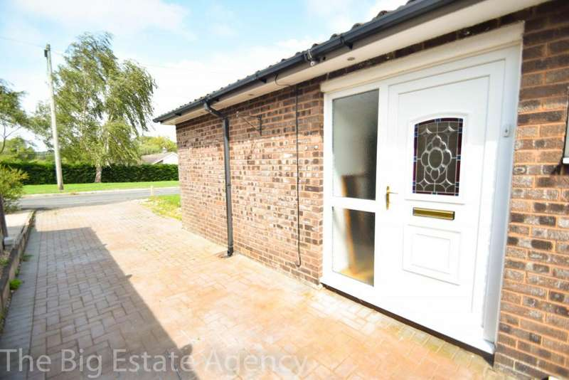 2 Bedrooms Bungalow for sale in Alwyn Close, Mold, CH7