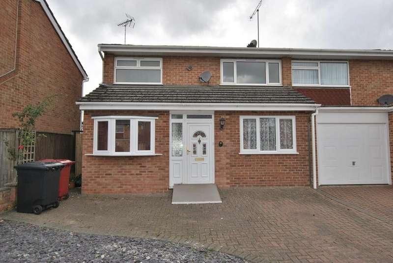 4 Bedrooms Semi Detached House for sale in Warnford Road, Tilehurst, Reading