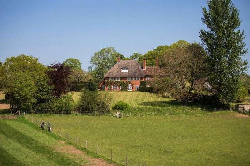 6 Bedrooms Detached House for sale in Violet Lane, Baughurst, Tadley, Hampshire