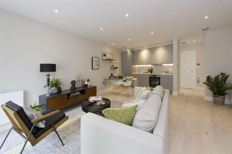 4 Bedrooms Commercial Property for sale in Westbrick House, Shepherd's Bush
