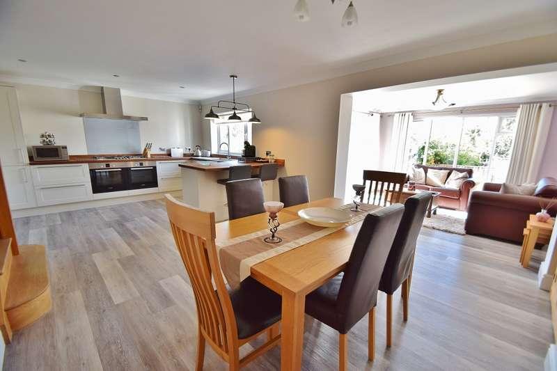 4 Bedrooms House for sale in Bassett