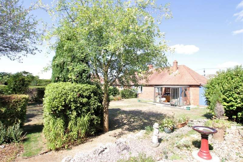 3 Bedrooms Semi Detached Bungalow for sale in Back Lane, Beenham, Reading, RG7