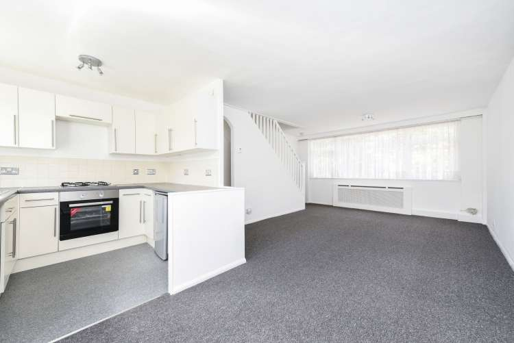 4 Bedrooms Terraced House for sale in Carston Close Lee SE12