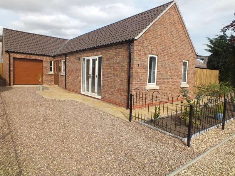 2 Bedrooms Detached Bungalow for sale in William Close, Donington