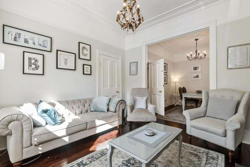 5 Bedrooms Terraced House for sale in Andalus Road, Clapham
