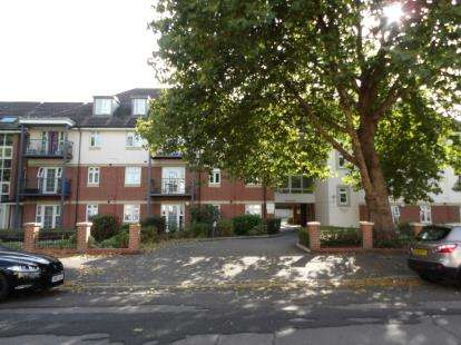 2 Bedrooms Flat for sale in Freemantle, Southampton, Hampshire