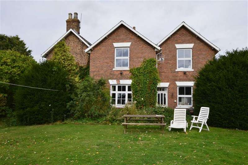 6 Bedrooms Detached House for sale in East Lambwath Road, Withernwick, East Yorkshire