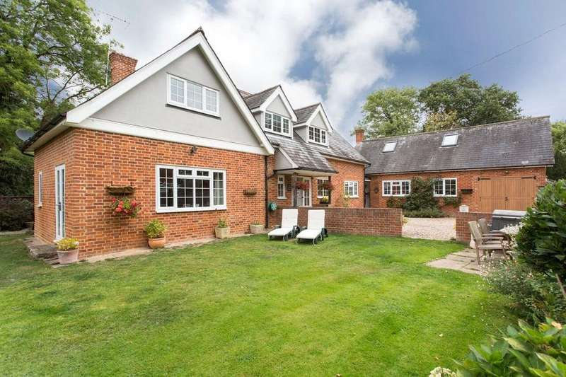 4 Bedrooms Detached House for sale in Roxwell Road, Writtle, Chelmsford, Essex, CM1