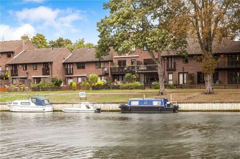 4 Bedrooms Terraced House for sale in Island Close, Staines-upon-Thames, Surrey, TW18