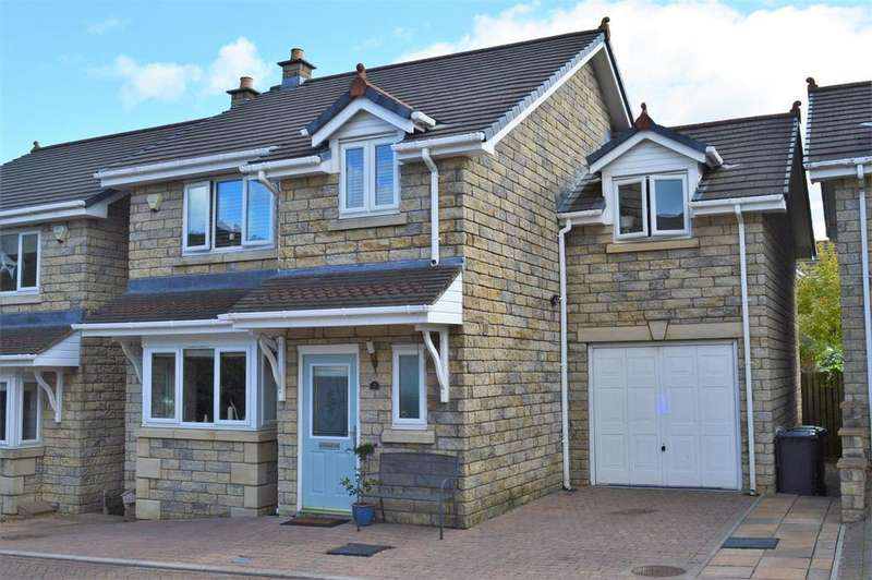 4 Bedrooms Detached House for sale in Hutton Gardens, Warton, Carnforth