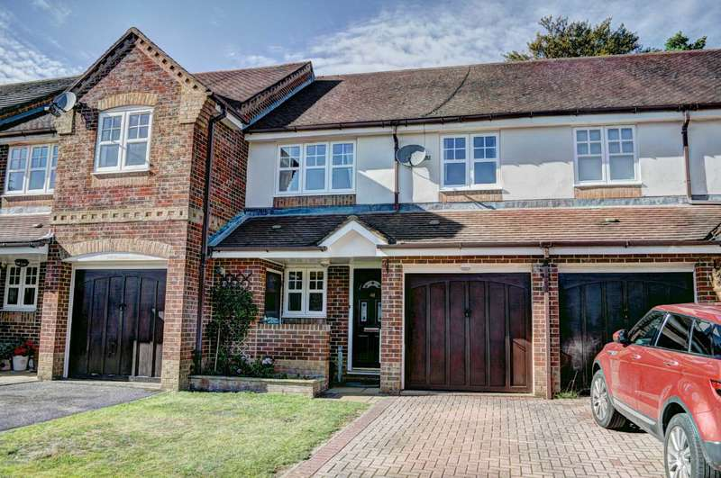 3 Bedrooms Terraced House for sale in Saunderton Vale