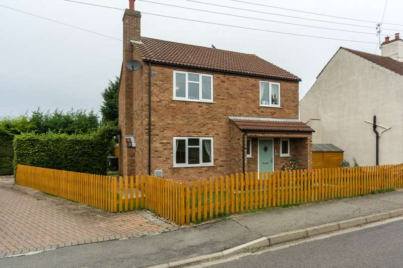 3 Bedrooms Property for sale in Dogdyke Road, Lincoln, Lincolnshire, LN4