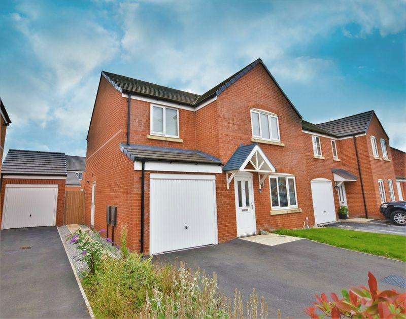 4 Bedrooms Detached House for sale in Scarborough Drive, Newton-Le-Willows