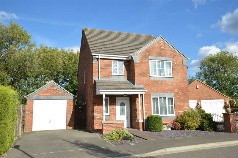 3 Bedrooms Detached House for sale in Poplar Close, Ruskington, Sleaford
