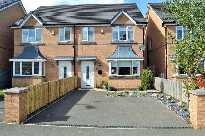 4 Bedrooms Semi Detached House for sale in Field Lane, Litherland
