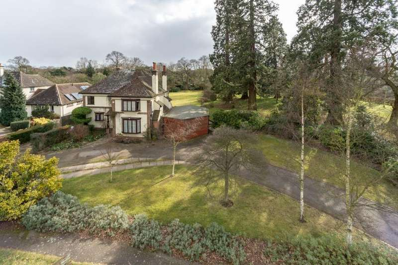 4 Bedrooms Detached House for sale in Fitzwalter Road, Lexden