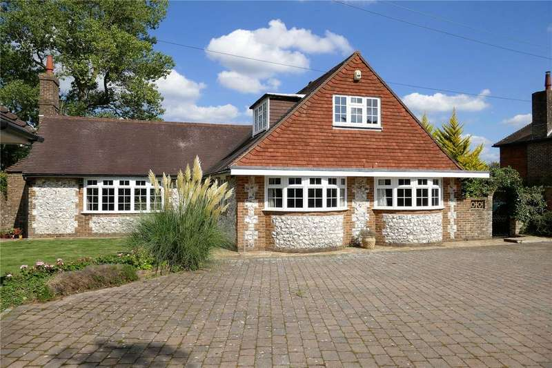 4 Bedrooms Detached Bungalow for sale in The Street, Wilmington, East Sussex, BN26