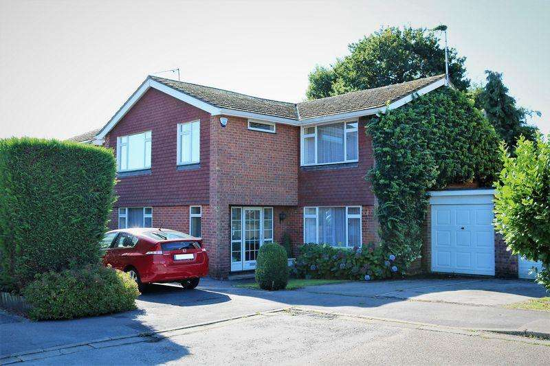 4 Bedrooms Detached House for sale in Village Location, Four Double Bedrooms