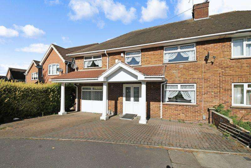 4 Bedrooms Semi Detached House for sale in Wickstead Avenue, Luton