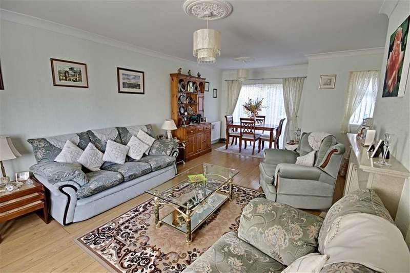 3 Bedrooms Semi Detached House for sale in Brooke Avenue, Boldon, Tyne And Wear