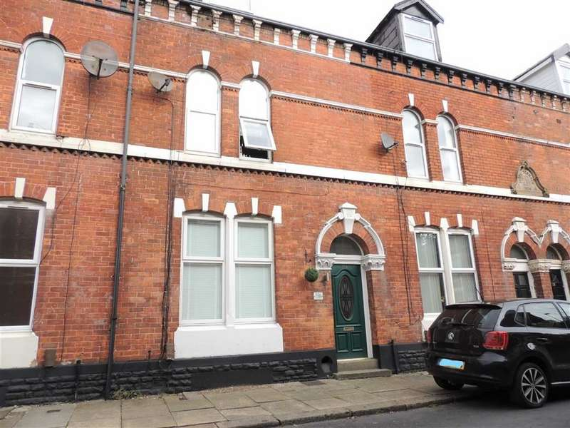 4 Bedrooms Terraced House for sale in Hope Street, Dukinfield