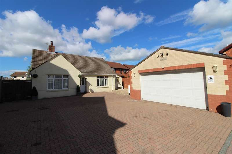 3 Bedrooms Bungalow for sale in Newport Road, Caldicot