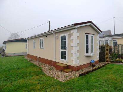1 Bedroom Mobile Home for sale in Boars Leigh Park, Bosley, Macclesfield, Cheshire