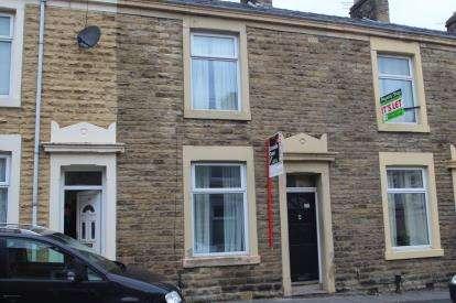2 Bedrooms Terraced House for sale in Heywood Street, Great Harwood, Blackburn, Lancashire, BB6