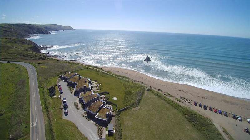 3 Bedrooms Detached House for sale in Marine Drive, Widemouth Bay