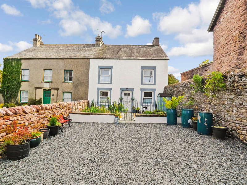 4 Bedrooms Semi Detached House for sale in Eden Vale, Kirkby Stephen