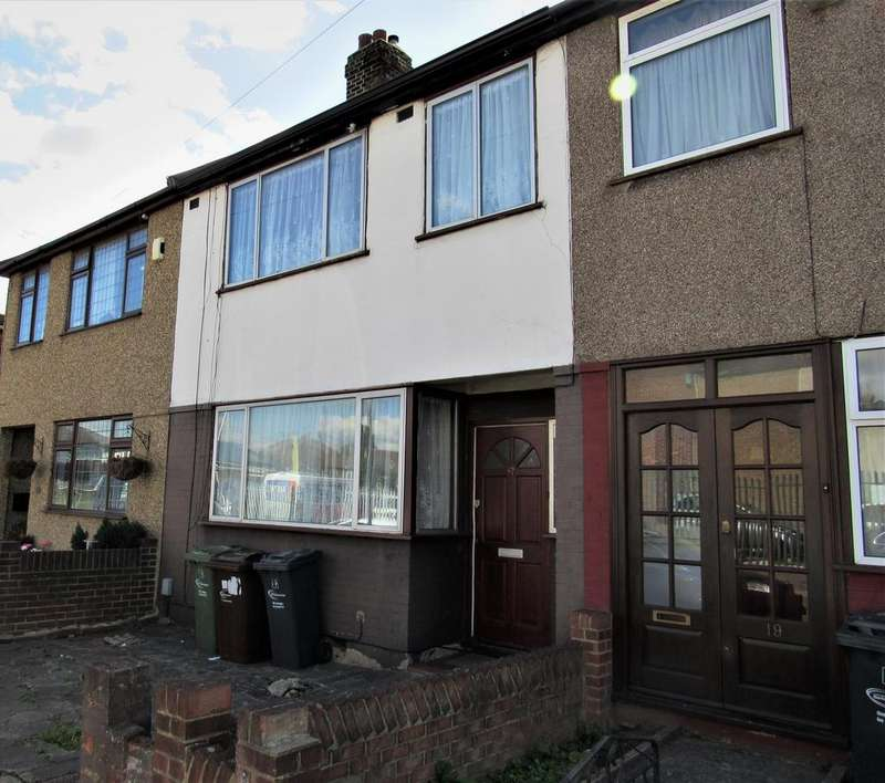 3 Bedrooms Terraced House for sale in Bury Road, Dagenham RM10