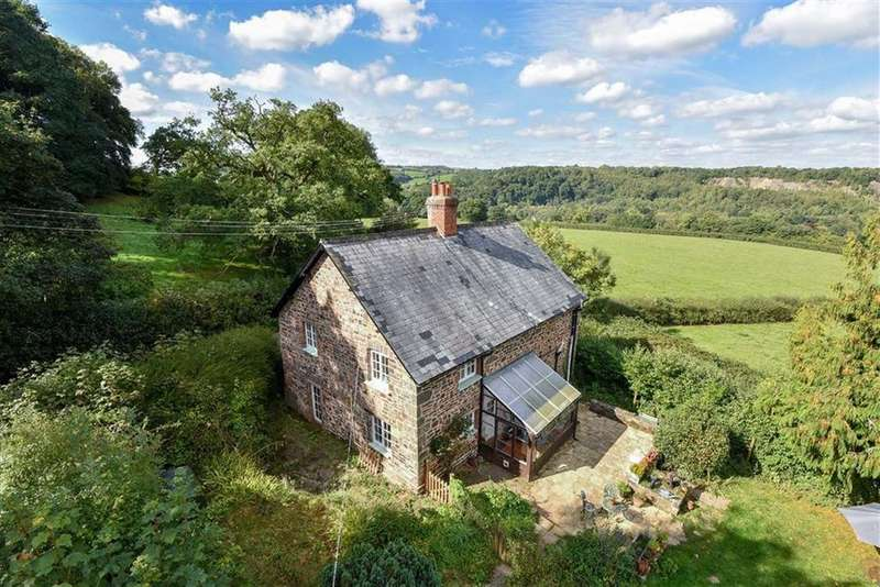 3 Bedrooms Detached House for sale in Cove, Tiverton, Devon, EX16