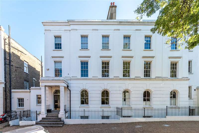 2 Bedrooms Flat for sale in Camberwell Grove, London, SE5