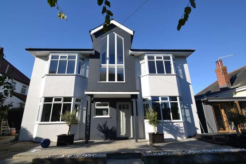 5 Bedrooms Detached House for sale in Portman Estate